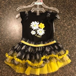 3 Piece Baby girl Daisy outfit (make an Offer)